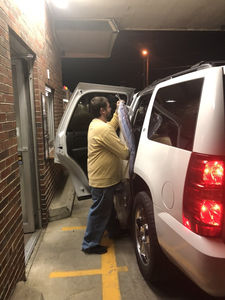 Carriage Drive-In Cleaners-Gallatin: 405 W Main St, Gallatin, TN