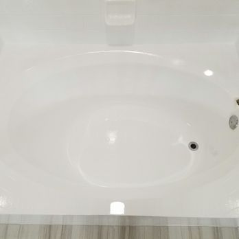 Photo Of Advanced Bathtub Refinishing   Austin, TX, United States. Shiny.  Looks