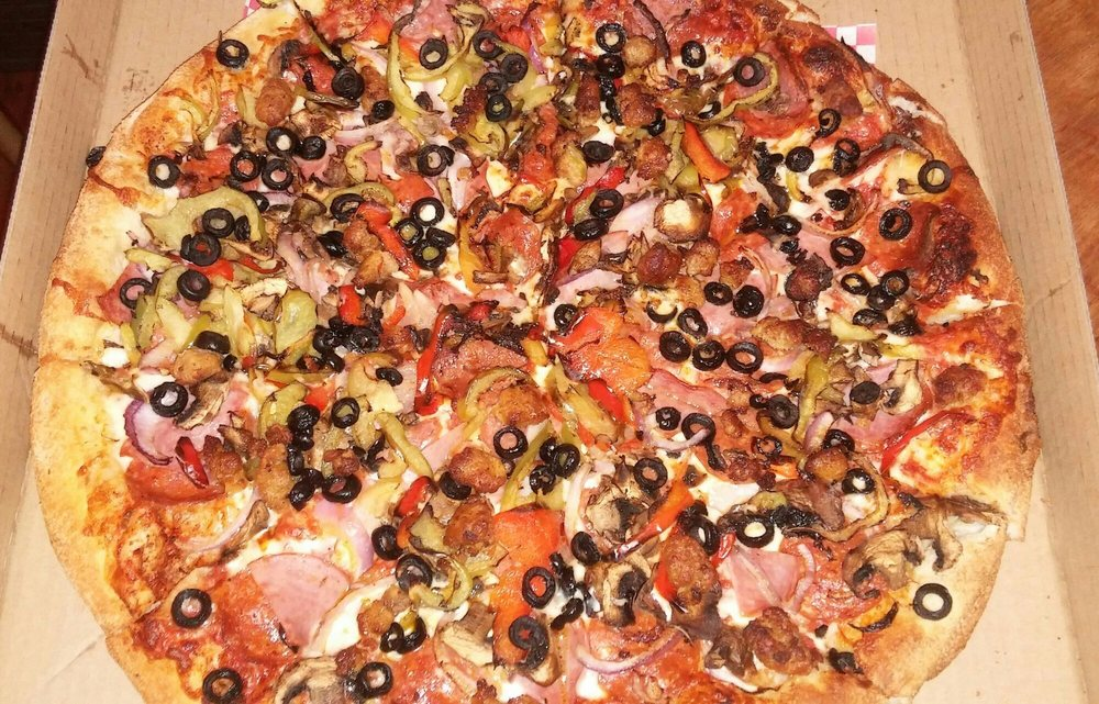 Te Amo Pizza: 4714 Gage Ave, Bell, CA