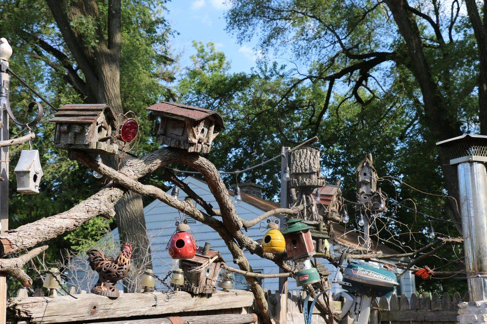 The Log Cabin: 346 Potter Rd, Des Plaines, IL
