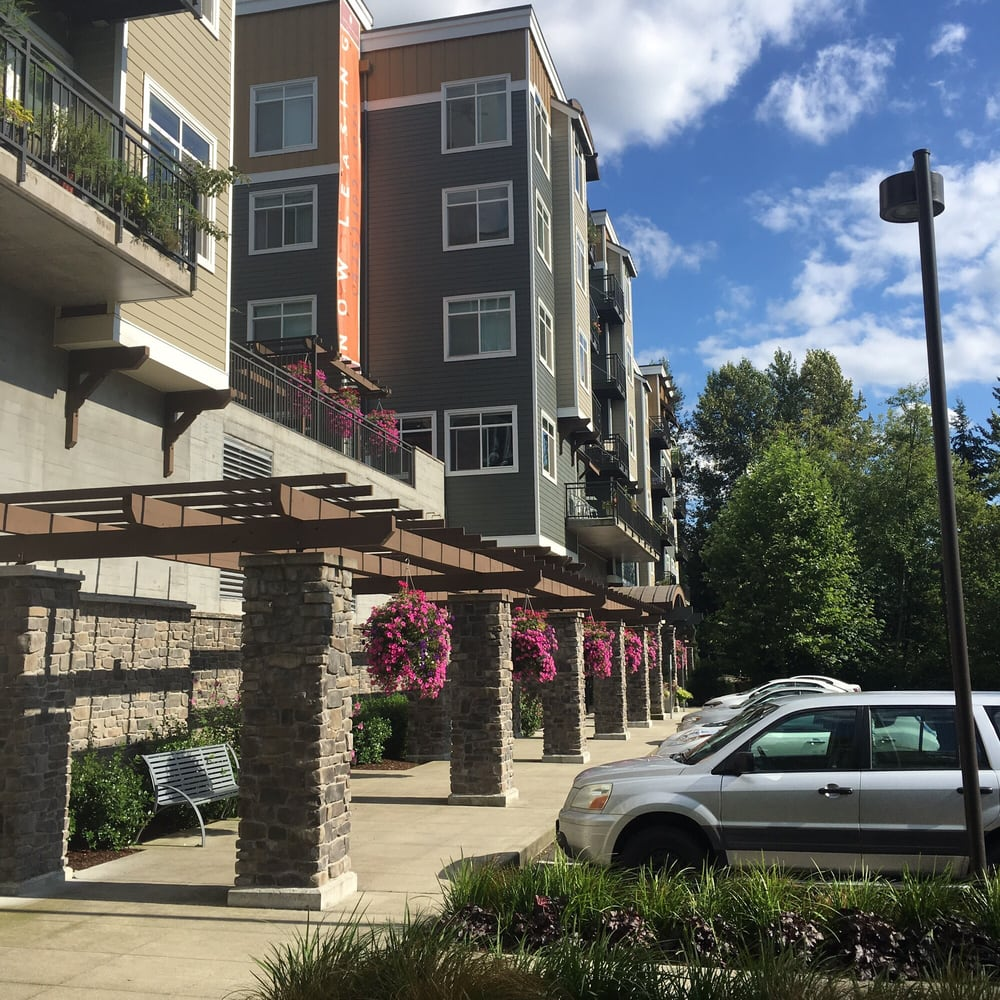 Summer Place Apartments: 18250 142nd Ave