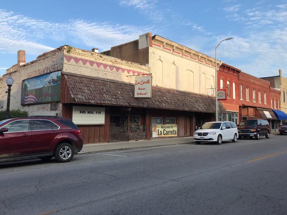 Las Carretas: 2009 S Main St, Higginsville, MO