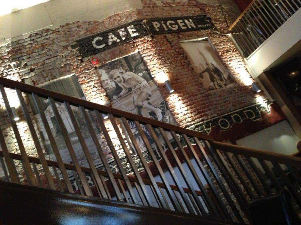 Pigen Cafe - Bar