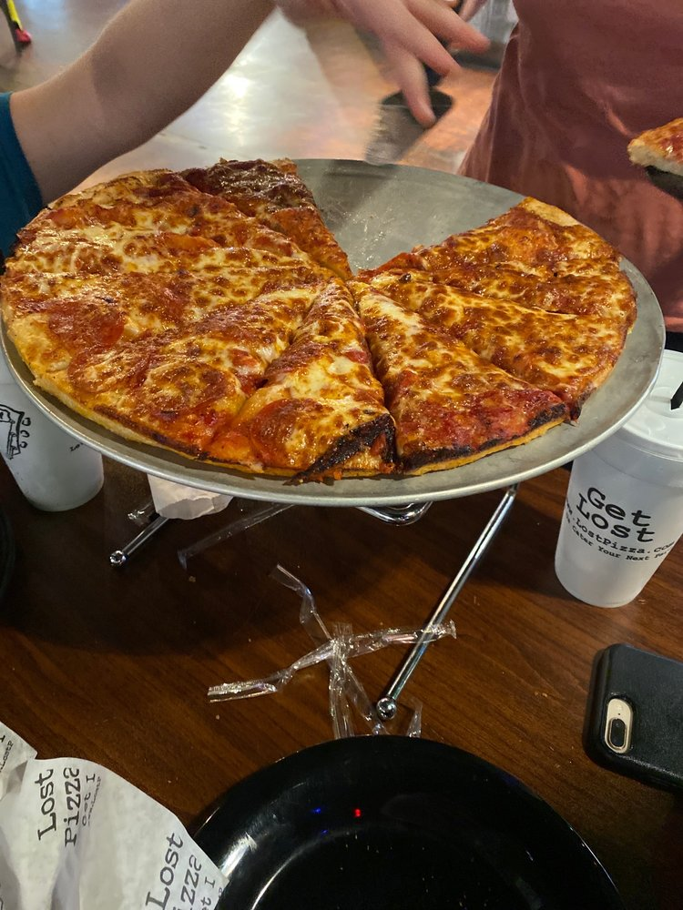 Lost Pizza Co: 510 AR-5, Bryant, AR