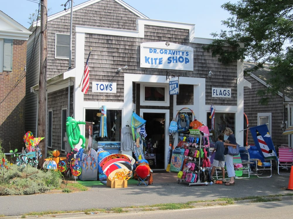 Dr. Gravity's Kite Shop: 560 Route 28, Harwich Port, MA