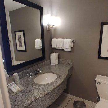 Hilton Garden Inn Louisville Northeast - 131 Photos & 40