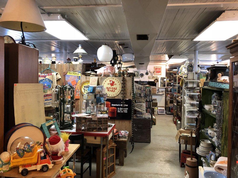 Schmidt's Barn: 8576 N Lake Rd, Pembroke, NY