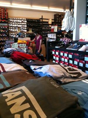 026810060c Vans Shoes 882 N 2nd St El Cajon