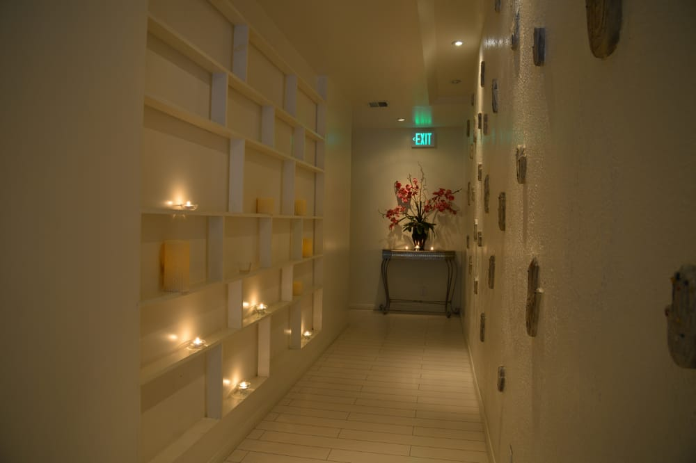 Hallway at aqua thai spa and massage westwood los for Aqua malaysian thai cuisine