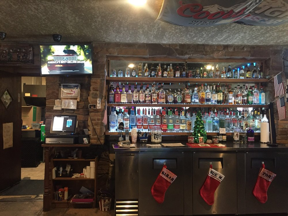 Cliffhangers Pub: 151 Deanna Dr, Lowell, IN