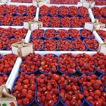 Mercato di Piazza Carlo Alberto - Farmers Market - Piazza
