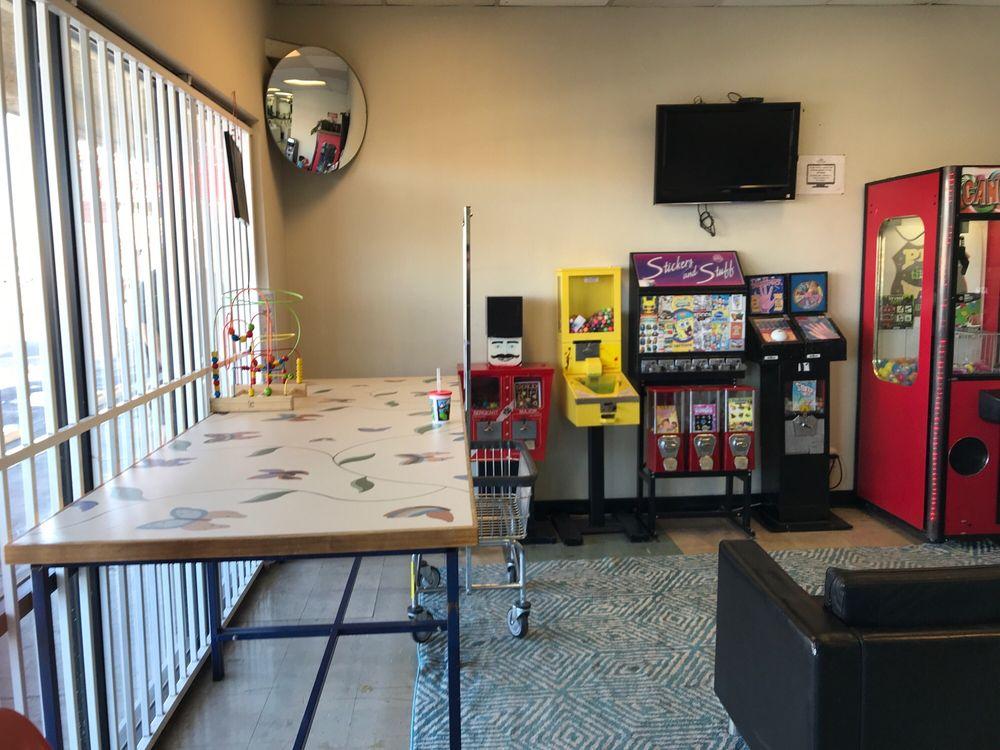 Thunder Suds Laundromat & Dry Cleaners: 4955 E Craig Rd, Las Vegas, NV