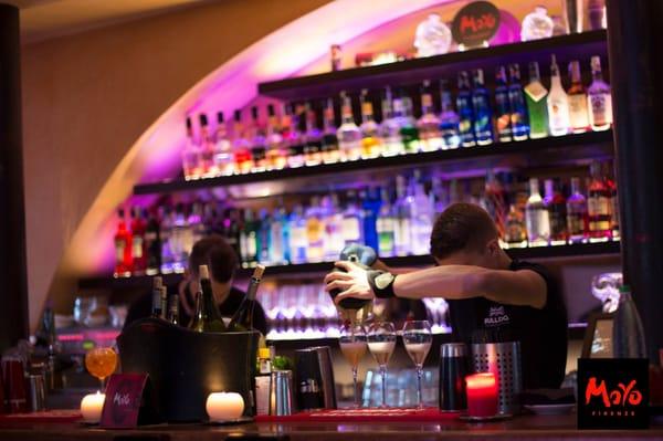 Moyo 82 Photos 53 Reviews Cocktail Bars Via De