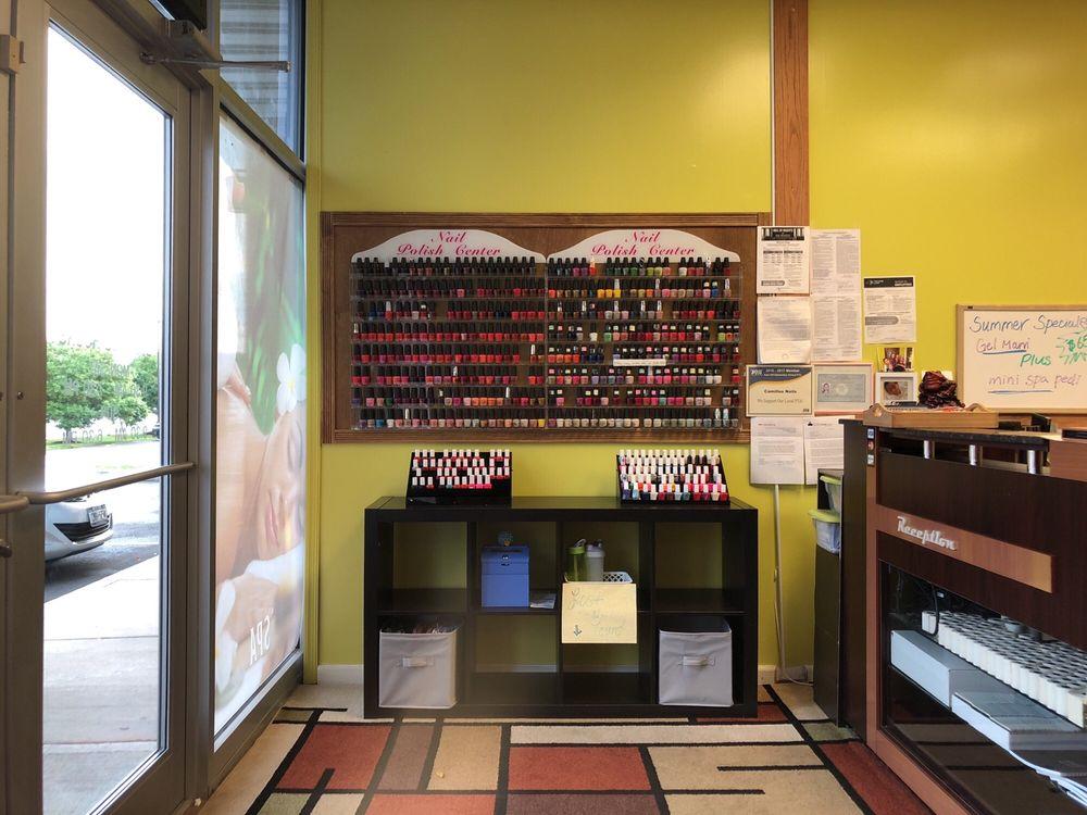 Camillus Nails & Spa: 5314 W Genesee St, Camillus, NY