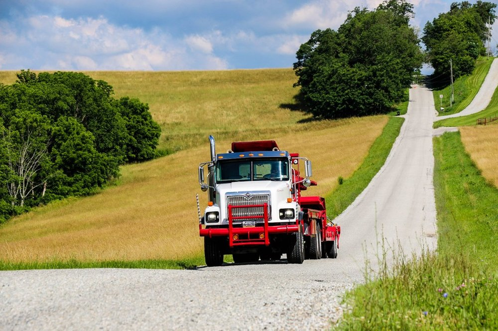 McAdoo's Towing & Crane Service: 1225 State Route 40 W, Claysville, PA