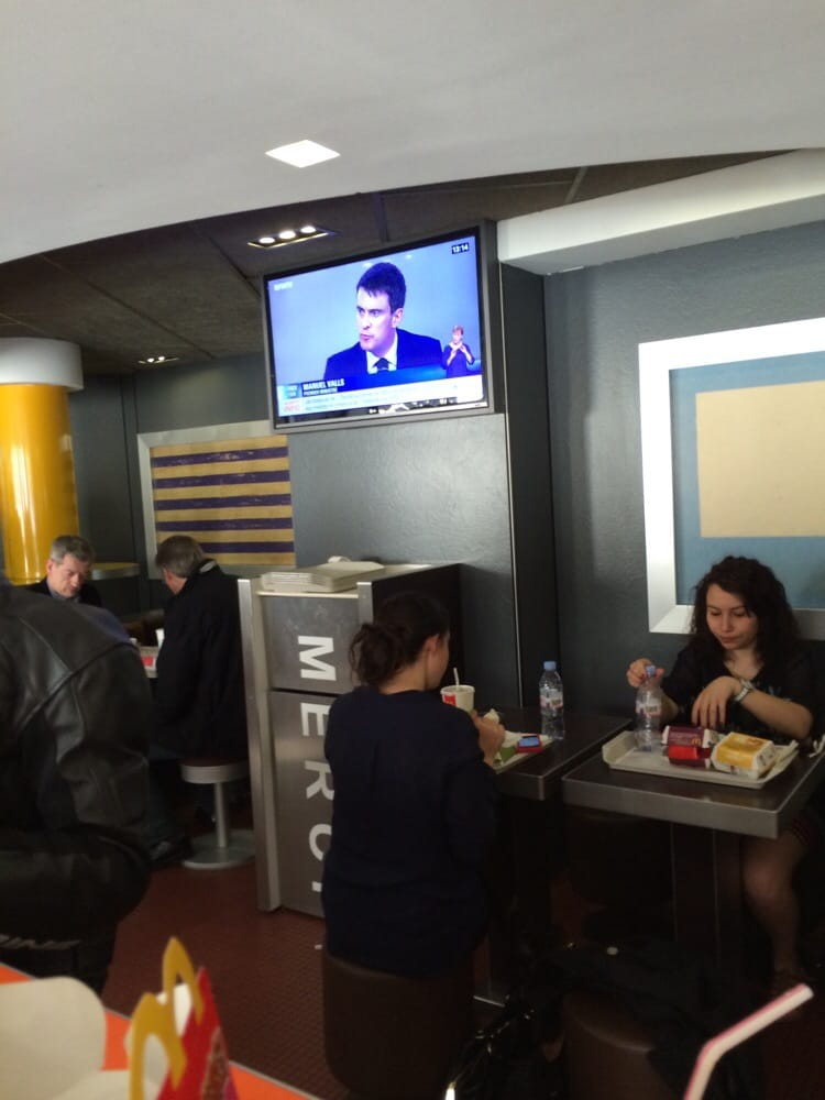 Mcdonald s fast food 2 bd poissonni re grands for Table exterieur mcdo