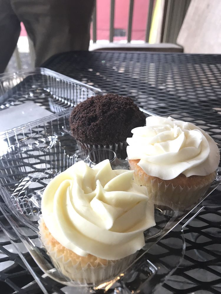 These Are The Blackout Lemonade And Wedding Cake Cupcakes They