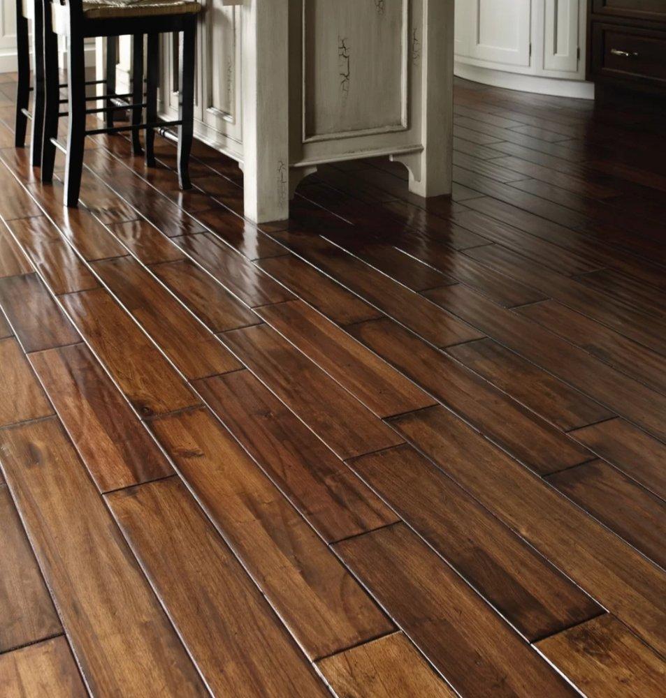 Cortland Flooring: 302 W Lincoln Hwy, Cortland, IL
