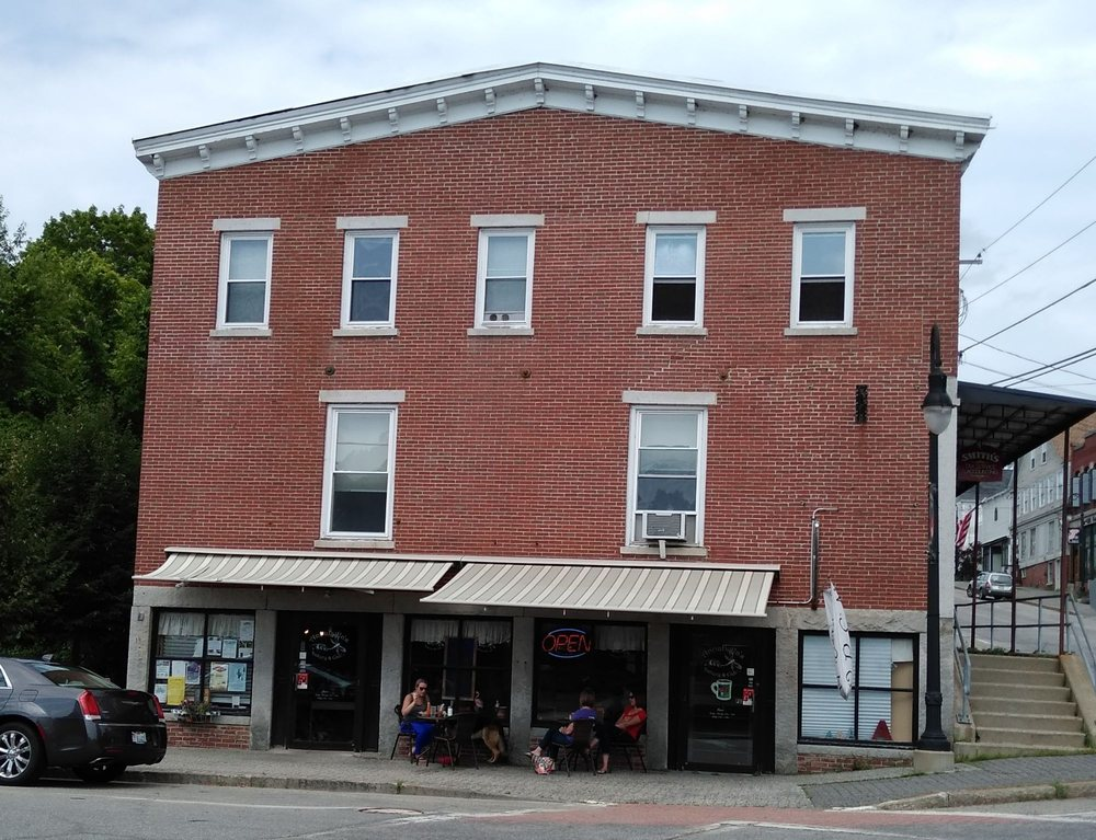 Annabella's Bakery and Cafe: 2 Front St, Richmond, ME
