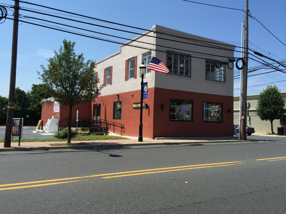 Royal Atlantic Wine and Spirits: 179 1st Ave, Atlantic Highlands, NJ