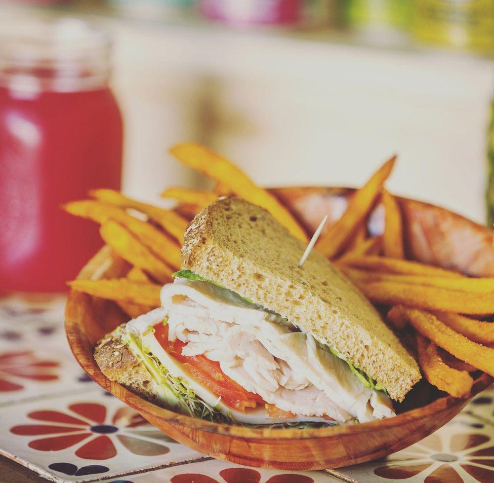 Cafe Metropole: 113 Metropole Ave, Avalon, CA