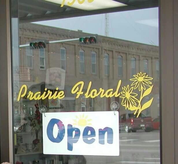 Prairie Florist & Gift: 1505 10th St, Gering, NE