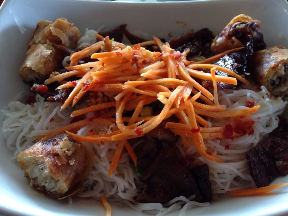 Rice noodles with spring roll and pork yelp - Authentic vietnamese cuisine ...