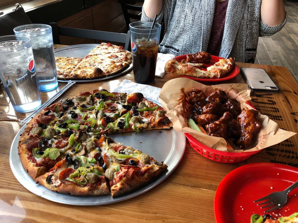 Noon Rock Pizza: 112 E Ramshorn, Dubois, WY