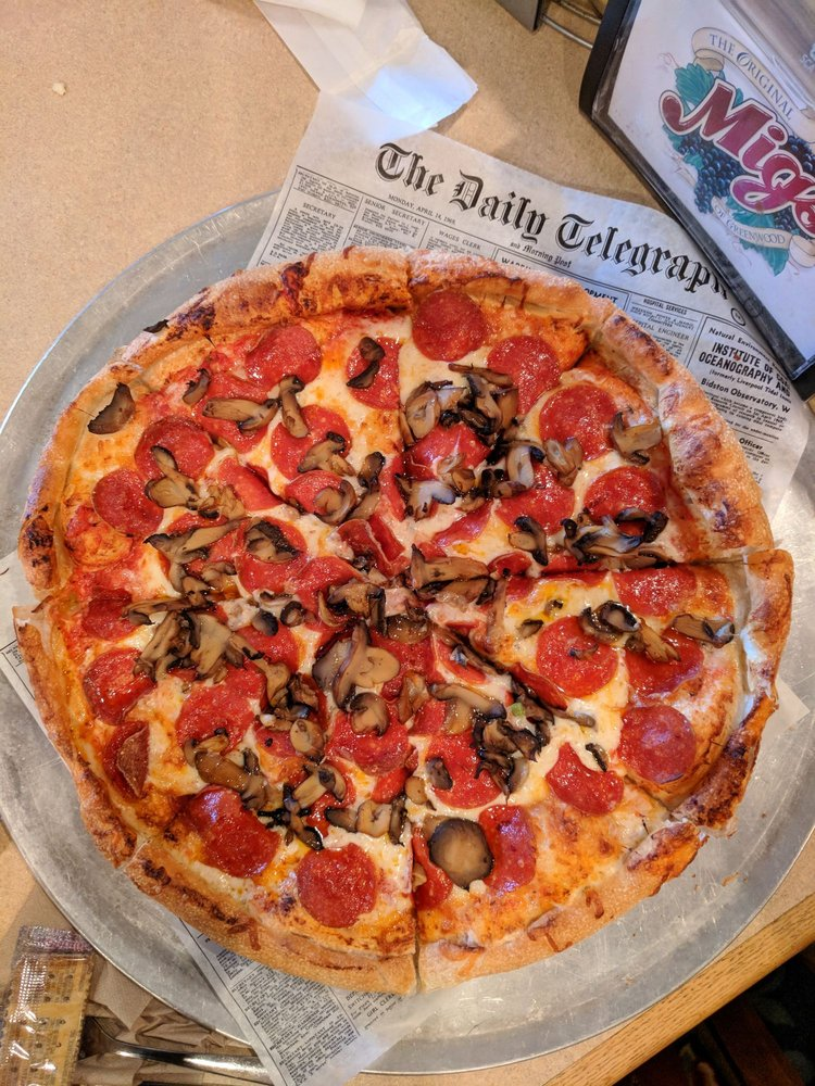 Mig's Pizza Castle: 1415 Bypass 72 NE, Greenwood, SC