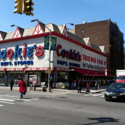 Clothing stores on flatbush avenue