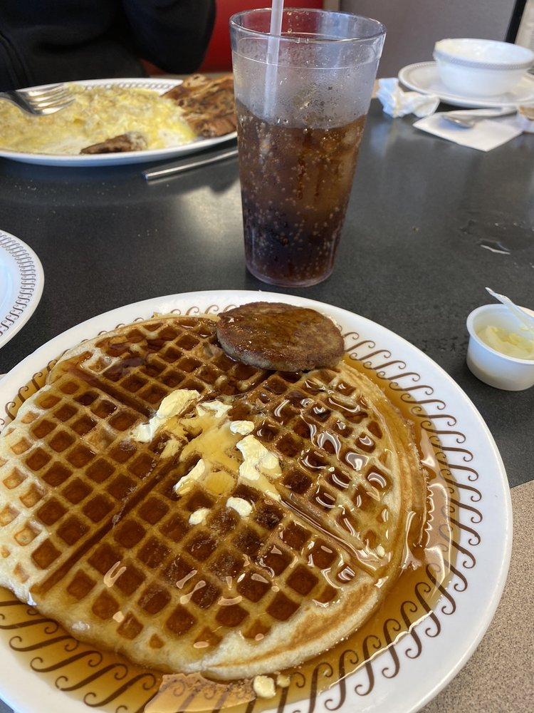 Waffle House: 948 Fort Dale Rd, Greenville, AL