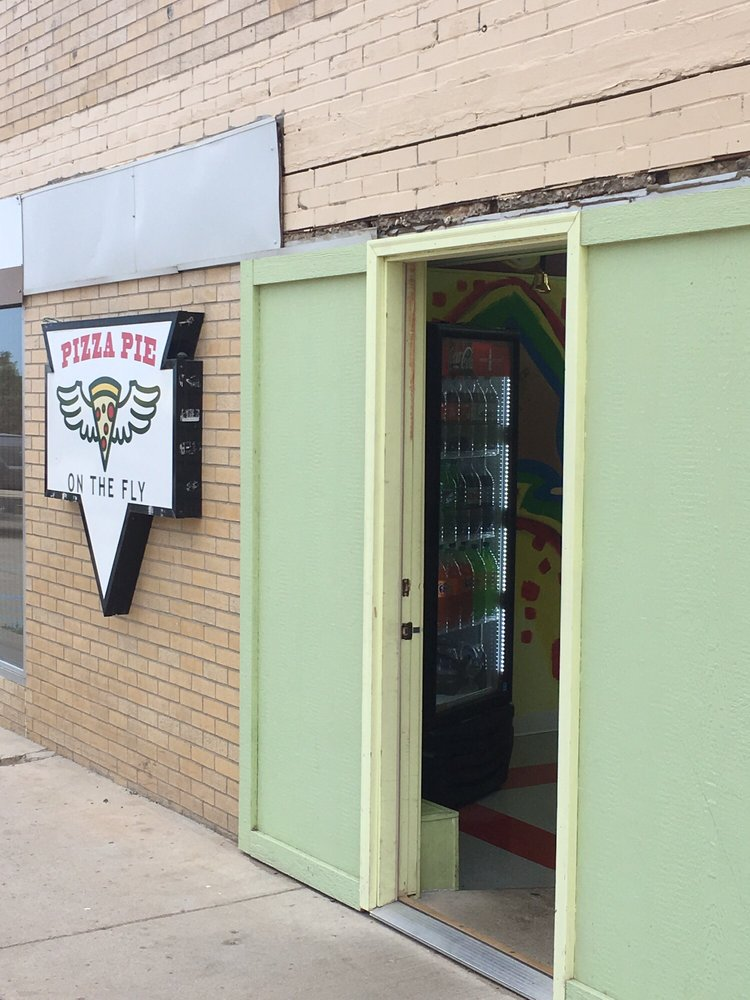 Pizza Pie On The Fly: 1005 S Main St, Watford City, ND