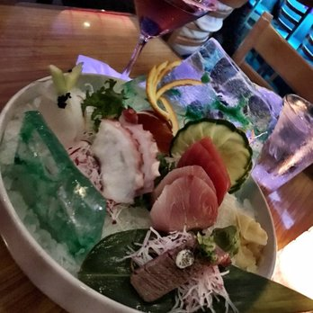 Linzee p 39 s reviews fort myers yelp for Blue fish sushi thai