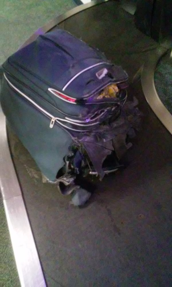 """Spirit Airlines damages bags! Carelessness of the """"Bare ..."""