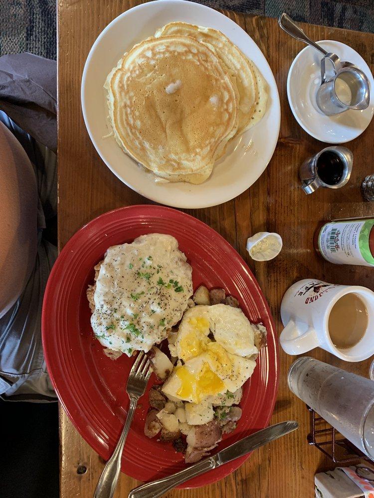 Turnaround Cafe: 7760 3rd St SE, Turner, OR