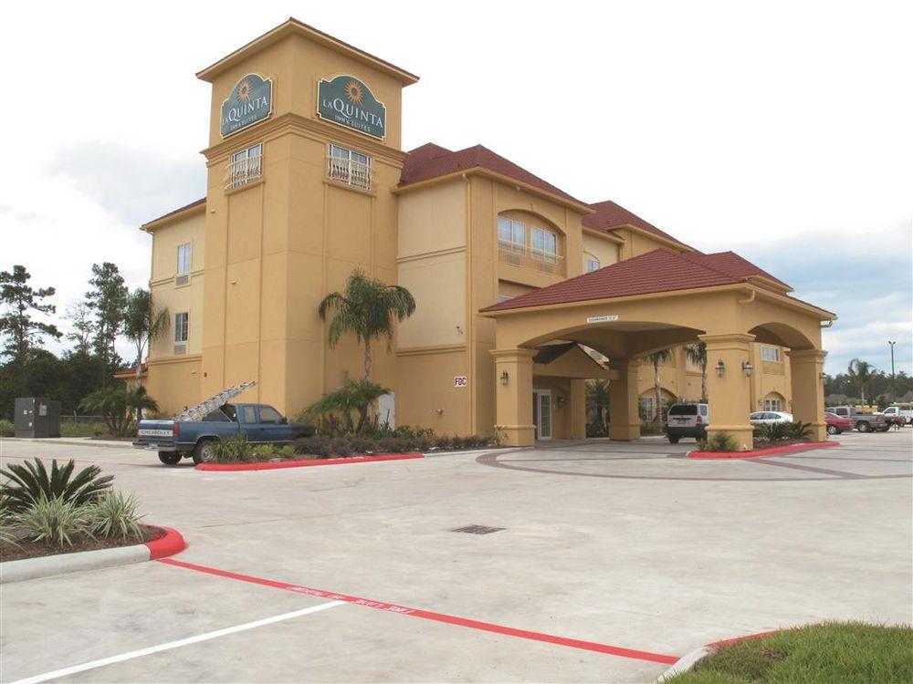 La Quinta by Wyndham Lumberton: 104 N. LHS Dr, Lumberton, TX