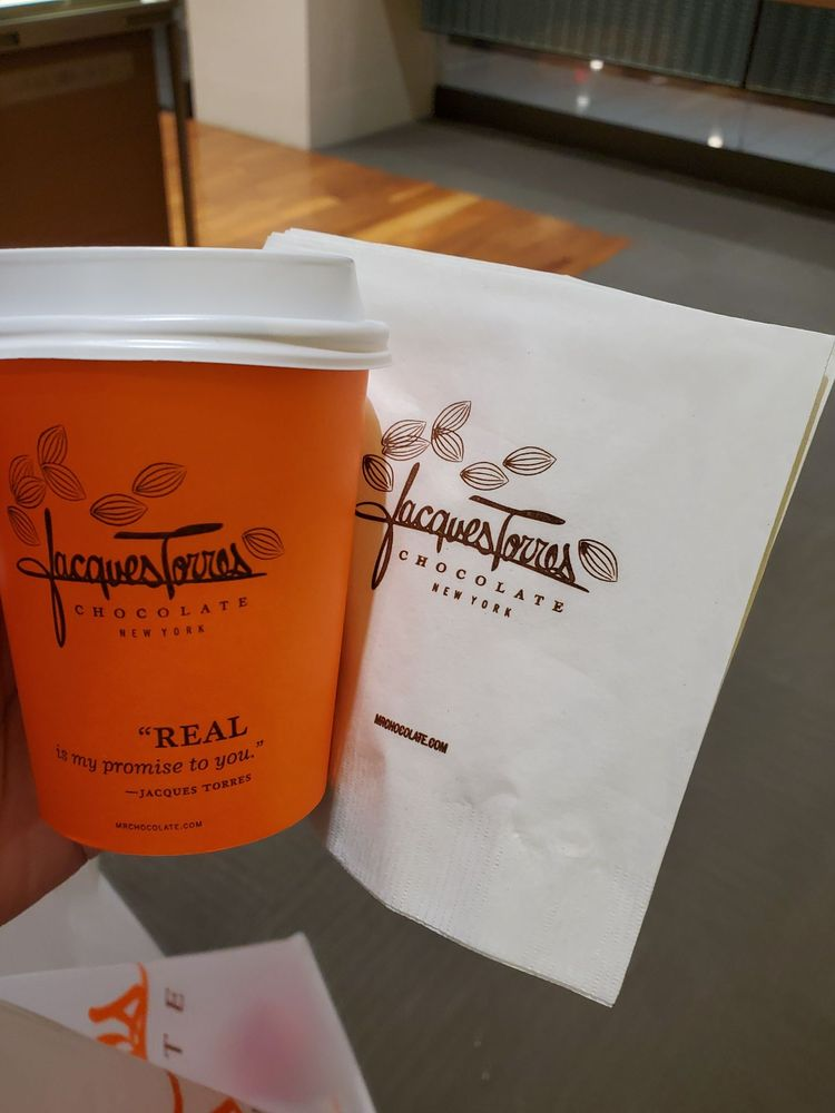 Jacques Torres Chocolate New York: 630 Old Country Rd, Garden City, NY