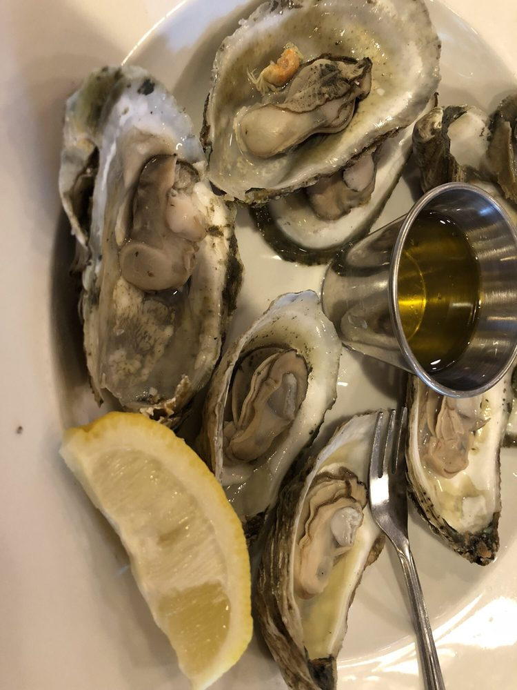 FINS Fish House and Raw Bar: 243 Rehoboth Ave, Rehoboth Beach, DE