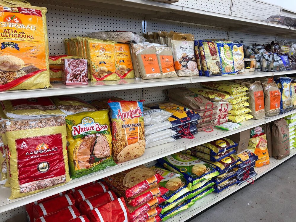 Konark Grocers: 3828 100th St, Urbandale, IA
