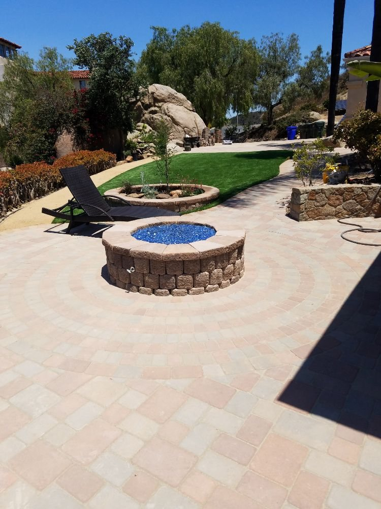 Paver Circle Kit With Fire Pit | Zef Jam
