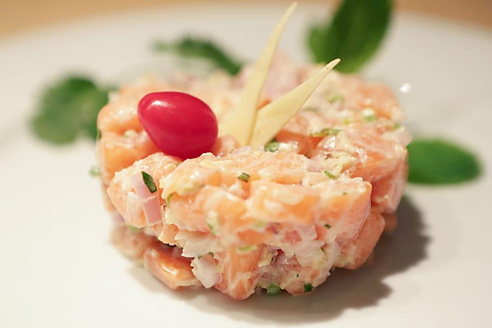 notre tartare de saumon restaurant paris 1er yelp. Black Bedroom Furniture Sets. Home Design Ideas