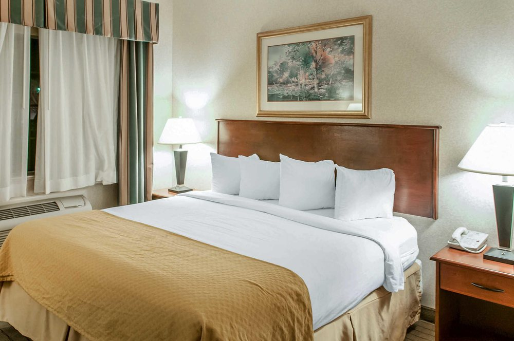 Quality Inn & Suites: 1496 East Santa Fe Ave, Grants, NM