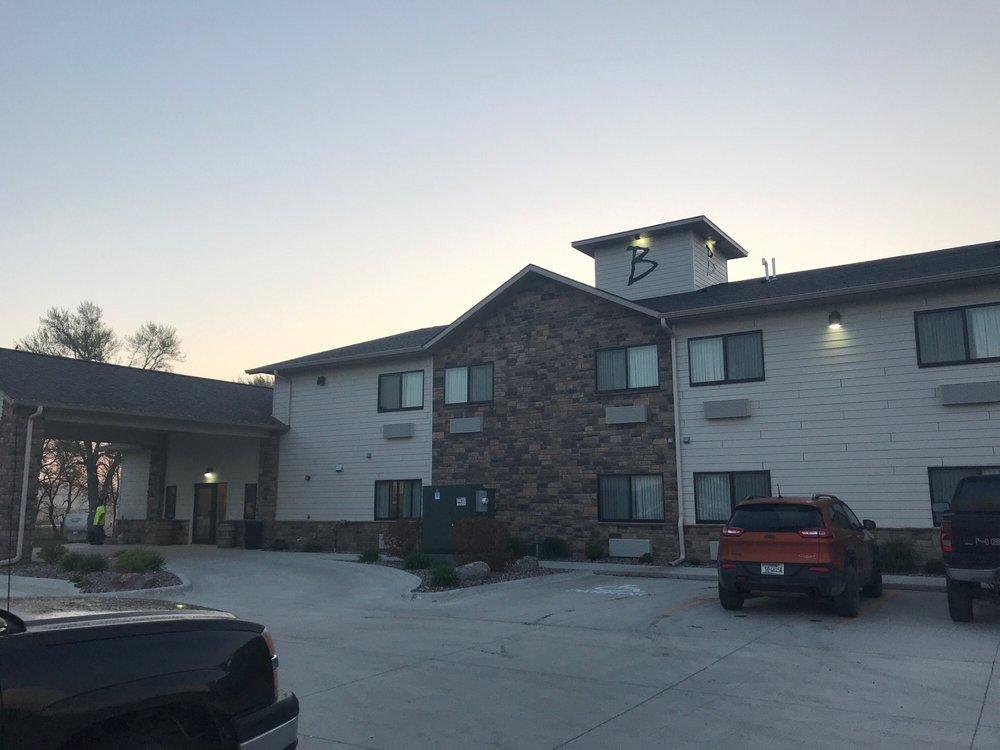 Boulders Inn & Suites: 120 Heritage Dr, Manning, IA