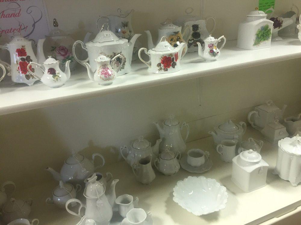 The Teapot & More: 401 E Market St, Nappanee, IN