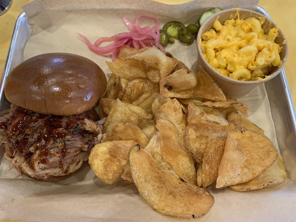 Porky Butts BBQ: 15475 Ruggles St, Omaha, NE
