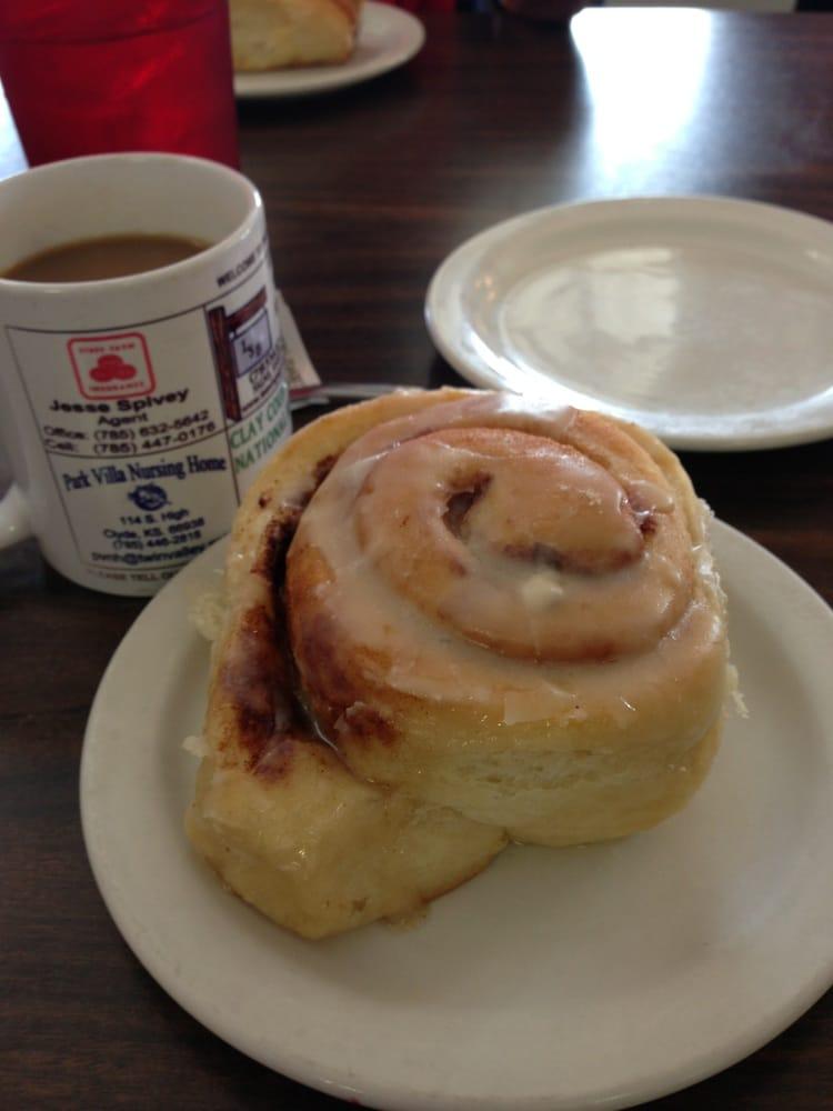 Kountry Kafe: 210 Starr Ave, Miltonvale, KS