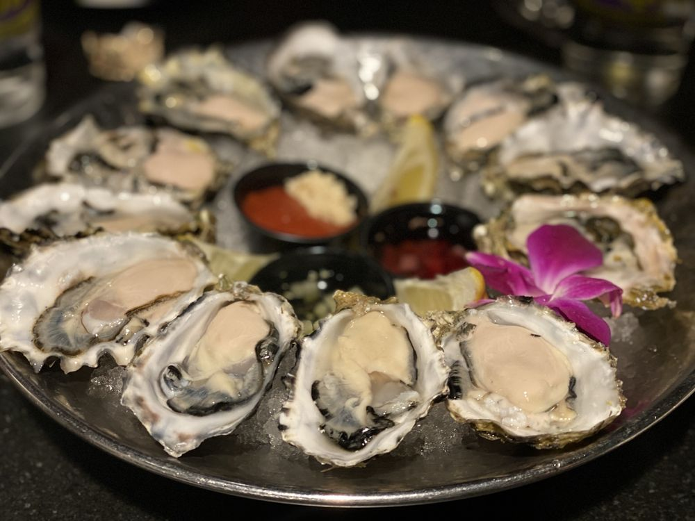 The Oyster Bar: 50 Hwy 50, Stateline, NV