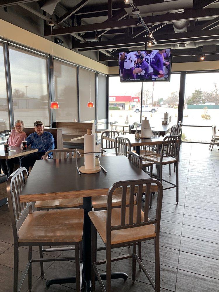 Pizza Hut: 1414 W American Blvd, Muleshoe, TX