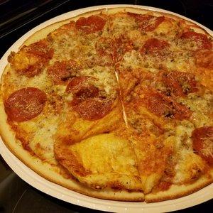 Little Caesars Pizza - 11 Reviews - Pizza - 1280 Centaur