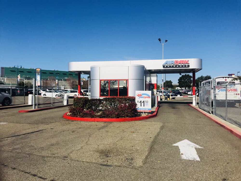 Airpark: 111 98th Ave, Oakland, CA